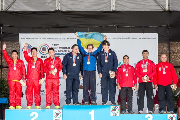 1 UKR - Ukraine = 1699; 2 CHN - People's Republic of China = 1698; 3 TUR - Turkey = 1695. ©2014 ISSF;  Photo: Maria Mentxaka